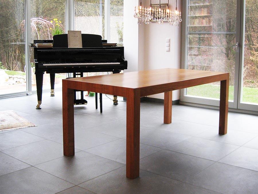 tisch aus stamm simple von stammtisch modell gustav with tisch aus stamm free tisch aus stamm. Black Bedroom Furniture Sets. Home Design Ideas